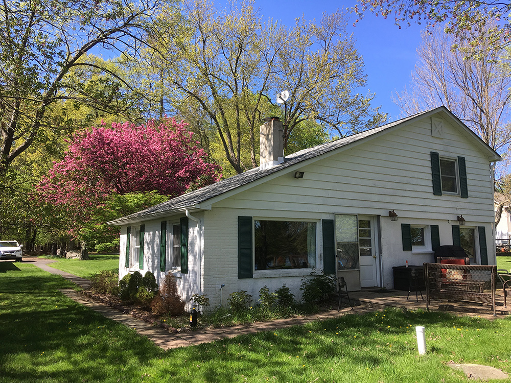 Schweizer Lake House